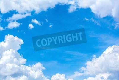 Fototapeta abstrakcyjne białe chmury na niebieskim niebie