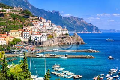 Fototapeta Amalfi miasto w południowych Włoszech w pobliżu Neapolu