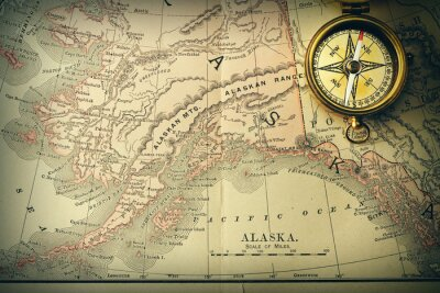 Fototapeta Antique kompas na starej XIX wieku mapie