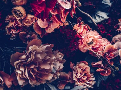 Fototapeta artificial flowers wall background with vintage style