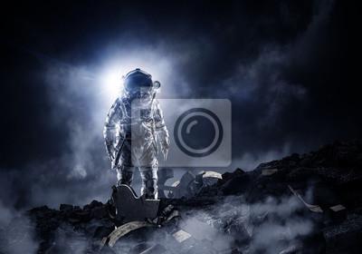 Fototapeta Astronauta w kombinezonie kosmicznym
