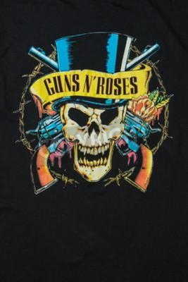 Fototapeta AVEIRO, PORTUGALIA - 20 lipca 2016: Ilustracje t-shirt Guns n 'Roses. Guns N 'Roses jest najlepiej sprzedającym się zespołem wszechczasów.
