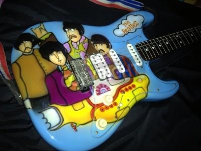 Fototapeta Beatles Yellow Submarine tematem airbrushed na gitarę Stratocaster