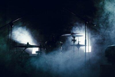 Fototapeta Bęben ustawiony w dymu na scenie