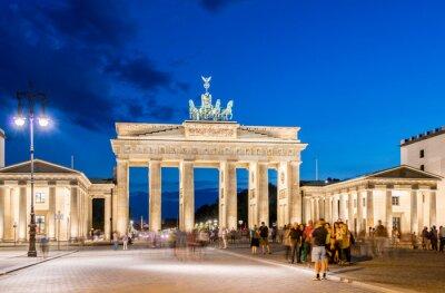 Fototapeta Berlin - 04 sierpnia 2013: Brama Brandenburska w dniu 4 sierpnia w Niemczech