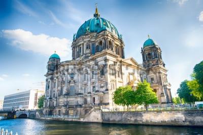 Fototapeta Berlińska katedra w Berlin w pięknym letnim dniu
