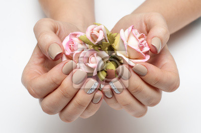 Beżowy Manicure ślubu Na Długie Kwadratowe Paznokcie Z Różami
