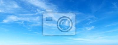Fototapeta błękitne niebo z chmurami