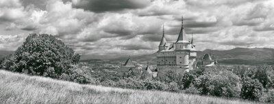 Fototapeta Bojnice - jeden z najpiękniejszych zamków na Słowacji.
