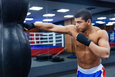 Fototapeta Boxer szkolenia w siłowni