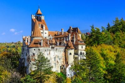 Fototapeta Brasov, Transylwania. Rumunia. Średniowieczny zamek Bran, znany z mitu Drakuli.