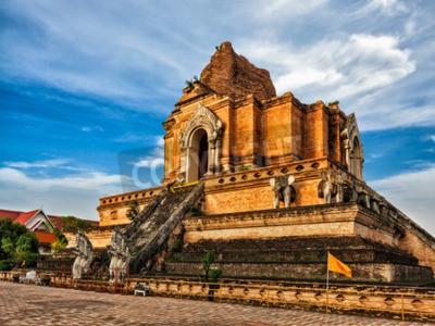 Fototapeta Buddyjska świątynia Wat Chedi Luang. Chiang Mai, Tajlandia