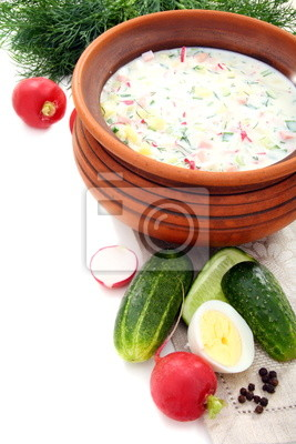 Fototapeta Chłodnik jogurt z jaj, warzyw i mięsa.