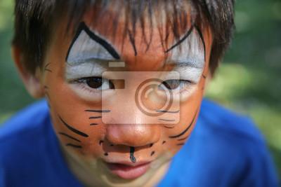 Chłopiec Z Zabawy Malowanie Twarzy Jak Tygrys Fototapeta
