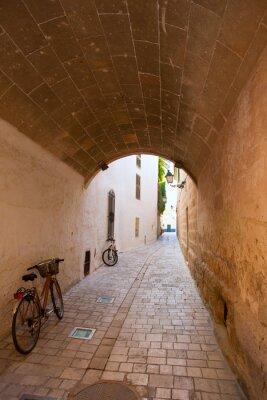 Fototapeta Ciutadella Menorca sklepienie kolebkowe przejście śródmieście