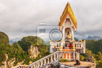 Fototapeta Closeup shot of a famous historic landmark in Tiger Cave Temple, Krabi, Thailand, Asia