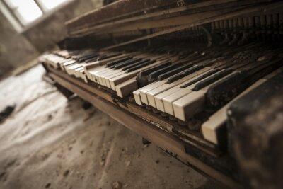 Fototapeta Czarnobyl - Close-up na starym fortepianie