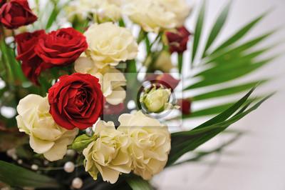 Fototapeta Czerwone i białe róże