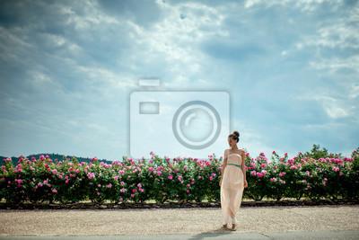 Fototapeta Dama z różami