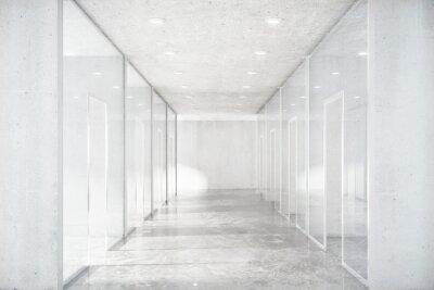 Fototapeta Długi korytarz z betonową podłogą i przezroczystych ścian w Moder