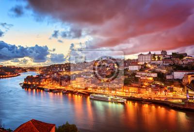 Fototapeta Dramatyczna słońca w Porto, Portugalia