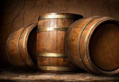 Fototapeta Drewniane beczki w piwnicy