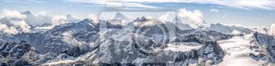 Fototapeta duża panorama sur ny chaîne de montagne enneigées des Alpes suisses