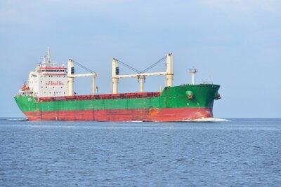 Fototapeta Duży statek towarowy (Masowiec) Żeglarstwo w jasny słoneczny dzień. R