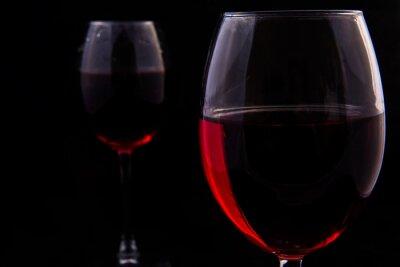 Fototapeta Dwie szklanki czerwonego winorośli