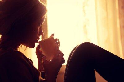 Fototapeta Dziewczyna i kawy rano