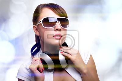 Fototapeta Dziewczyna ze słuchawkami