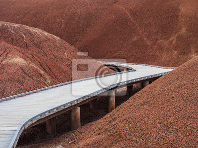Fototapeta Elevated pathway in the Painted hills, Oregon