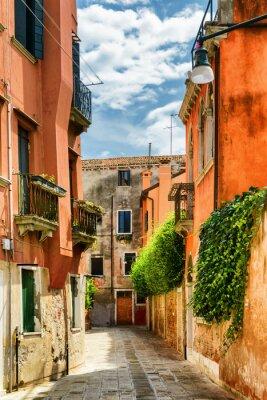 Fototapeta Fasady starych domów na Calle Gradisca Cannaregio, Wenecja