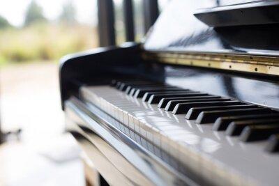 Fototapeta Fortepian to instrument muzyczny, że klawiatura i popularne w ciągu dziećmi.