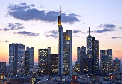 Fototapeta Frankfurt in der Dämmerung