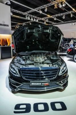 Fototapeta FRANKFURT - wrzesień 2015: Brabus Mercedes-Maybach Rocket 900 zaprezentowany na IAA International Motor Show w dniu 20 września 2015 roku we Frankfurcie nad Menem, Niemcy