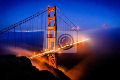 Fototapeta Golden Gate Bridge w San Francisco na wschodzie słońca, Kalifornia