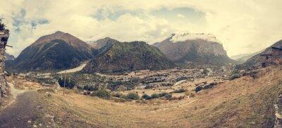 Fototapeta Górskie panoramy z tradycyjnego kamienia budowania wsi.