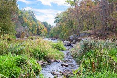 Fototapeta górskiej rzeki jesienią