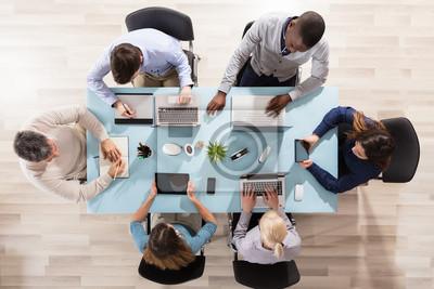 Fototapeta Grupa Biznesmeni Pracujących W Biurze