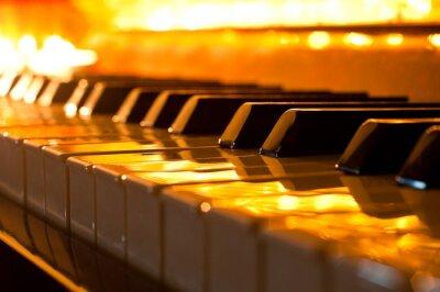 Fototapeta Klawiatura fortepianu w złotym świetle