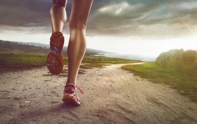Fototapeta Kobieta Jogger na ścieżce nadmorskiej