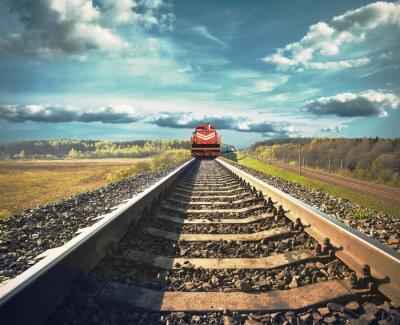 Fototapeta Kolejowe z pociągiem towarowym