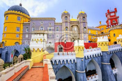 Fototapeta Kolorowa fasada pałacu Pena, Sintra, Portugalia