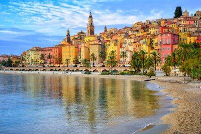 Fototapeta Kolorowe średniowieczne miasto Menton na Riwierze Morza Śródziemnego, FRA