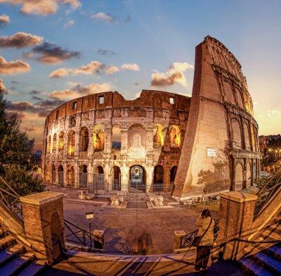 Fototapeta Koloseum w godzinach wieczornych, Rzym, Włochy