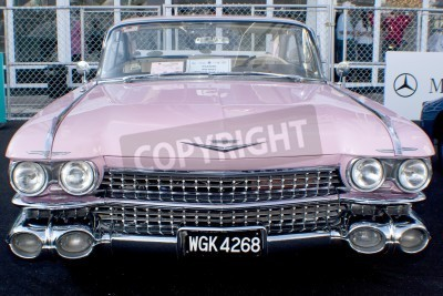 Fototapeta KUALA LUMPUR, MALAYSIA - MARCH 27 : A Cadillac on display during the 8th KL Vintage and Classic Car Concourse at Petronas Pit Pulse KLCC March 27, 2010 in Kuala Lumpur, Malaysia.