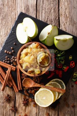 Kuchnia Indyjska Jablkowy Sos Z Cytryna I Przyprawami Na Stole