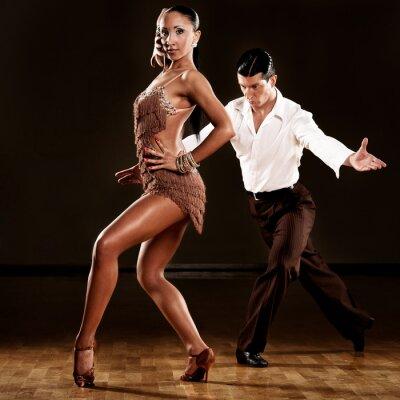 Fototapeta latino para tańca w akcji