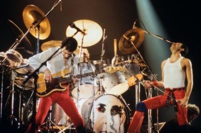 Fototapeta Leiden, Holandia - 27 listopada 1980: Królowa podczas koncertu w Groenoordhallen w Leiden w Holandii